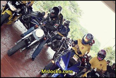 hot_babes_ride02