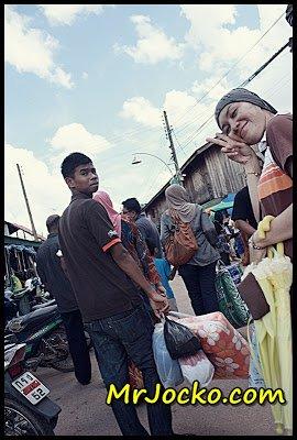 Shopping di Sempadan Munok, Thailland
