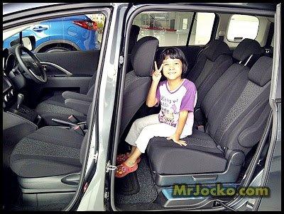 Kereta Mazda 5 MPV