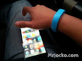 Review Alcatel BoomBand Fitness Tracker Wristband