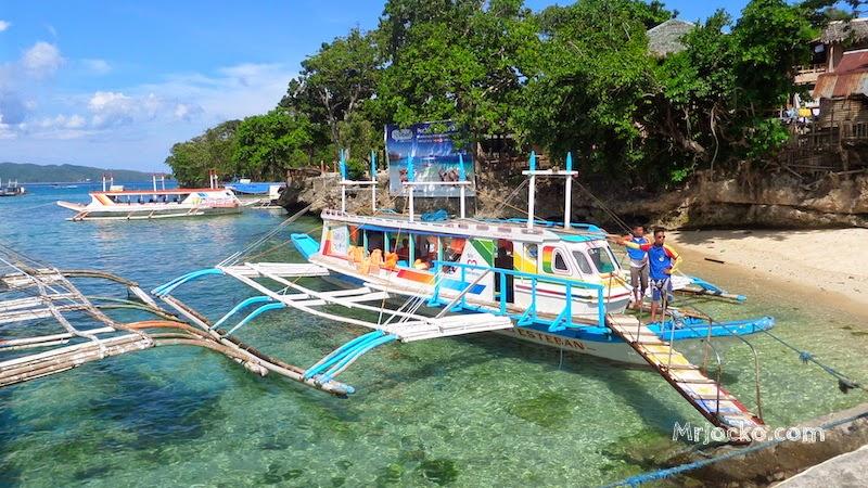 Boracay-Boat-01