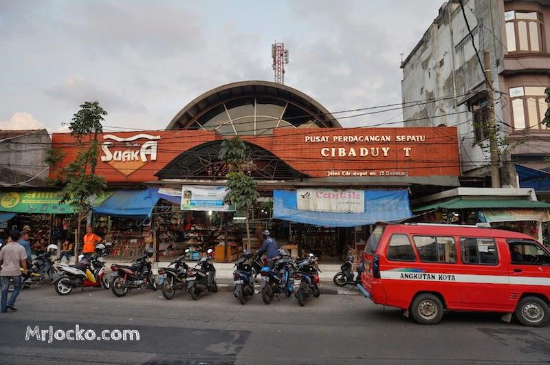 Shopping Di Jalan Cibaduyut Bandung Terbaik Dan Murah