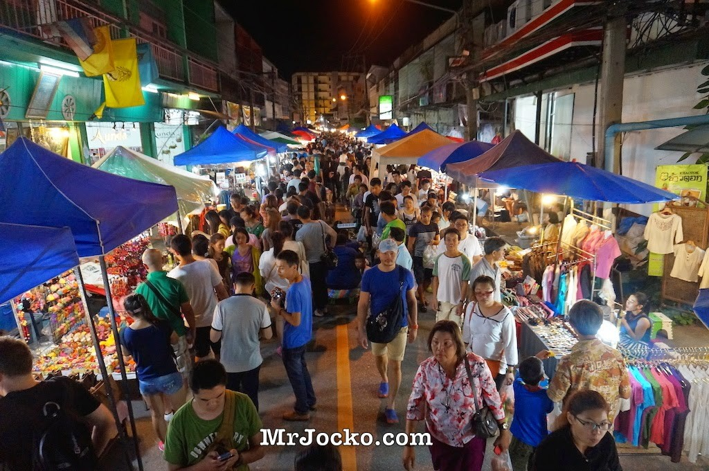 What To Shop At Chiang Mai Saturday Night Market Thailand
