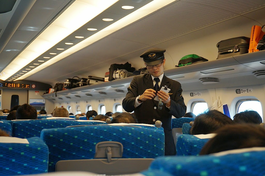 Bullet-Train-Shinkansen-Japan-011
