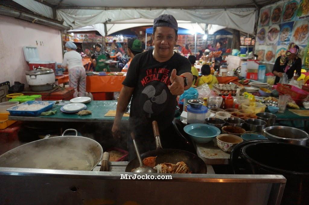 Gerai-Seafood-Ikan-Bakar-Waterfront-Kota-Kinabalu-041