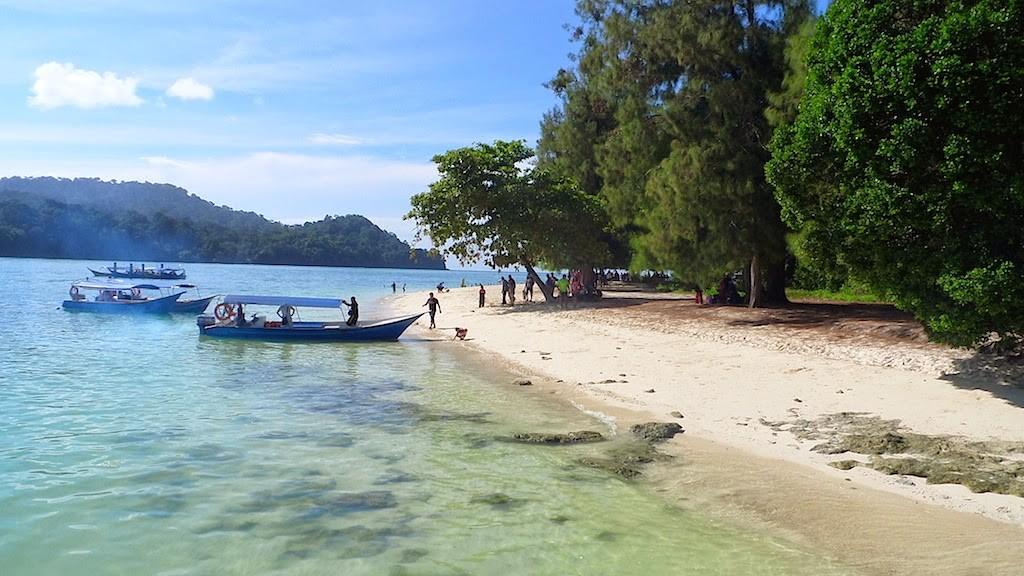 Pulau Beras Basah Langkawi : Kebiruan Air Laut