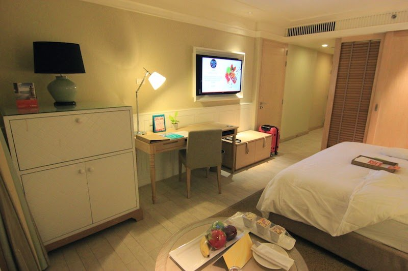 hotel_room_in_thailand_01
