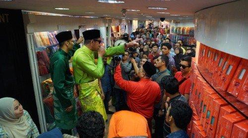 Gempak Raya Jakel 2015 : Baju Raya Aaron Aziz, Nabil Ahmad, Cik Ta dan Upin Ipin