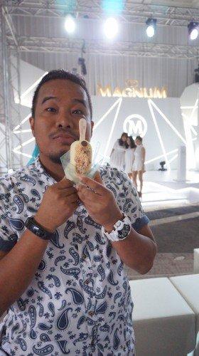 Magnum Sensation In White Magnum Almond White
