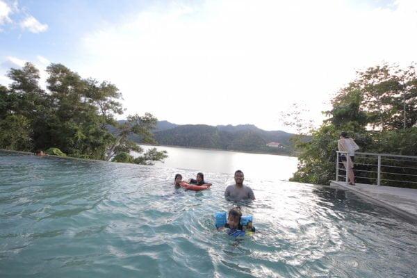 infinity-pool-belum-rainforest-resorts-08