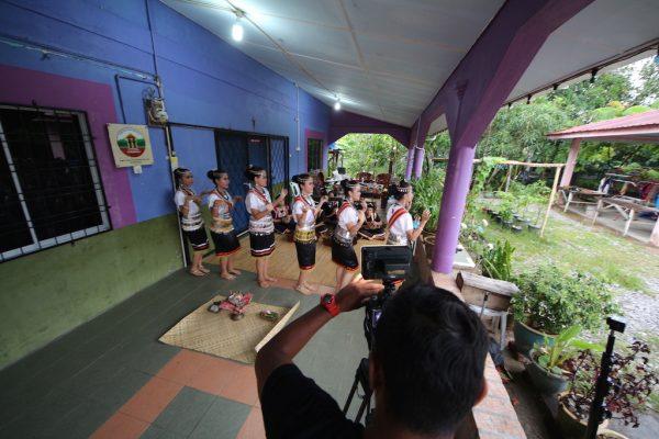 Tarian Tradisional Suku Kaum Bidayuh Selako Di Sematan