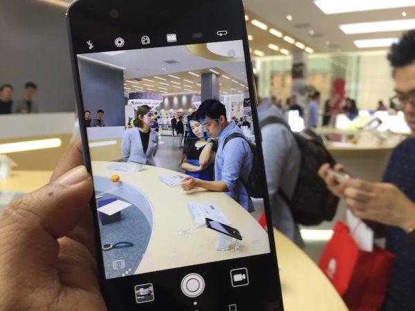 Huawei-Flagship-Store-Pavilion
