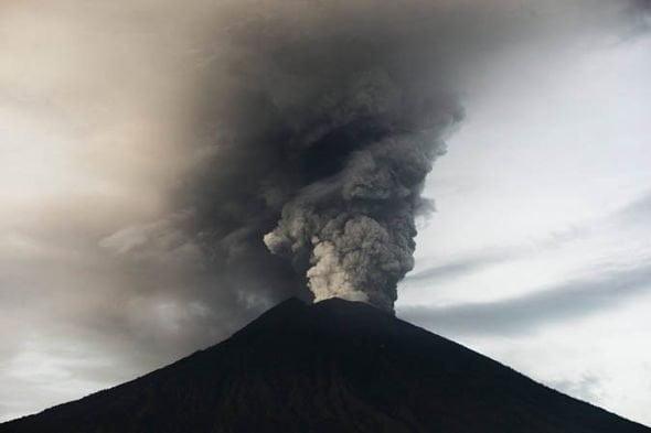 terkini letusan gunung agong bali