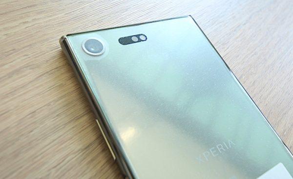 Unboxing Sony Xperia XZ Premium Smartphone Punya Slow Motion 4K