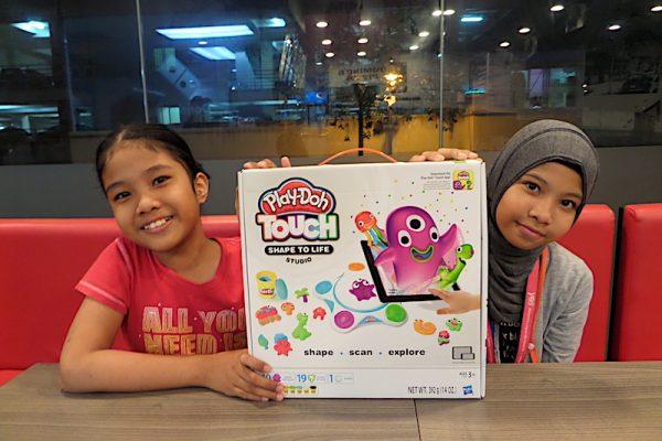 Layan Anak-anak Main Mainan PlayDoh Doh-Bassador