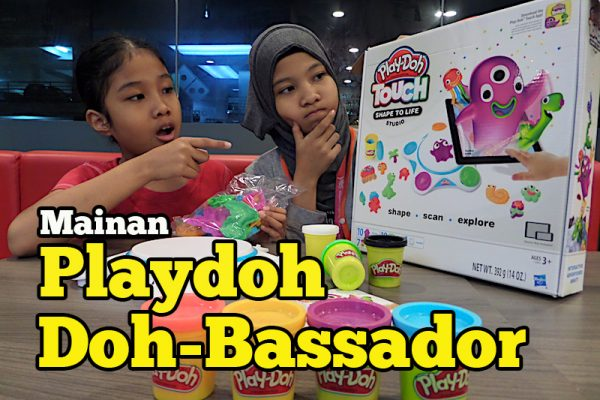 Layan Anak-anak Main Mainan PlayDoh Touch Shape To Life Studio Doh-Bassador