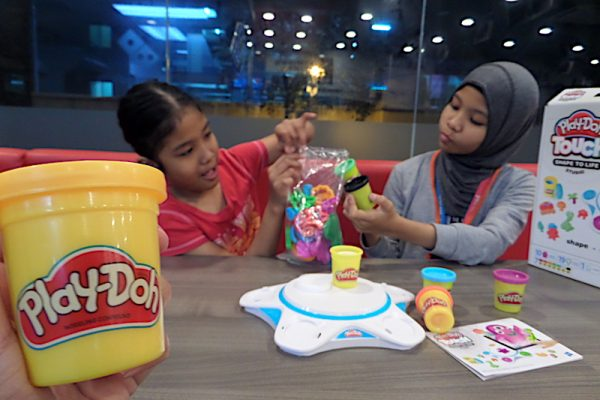 PlayDoh Touch Shape To Life Studio