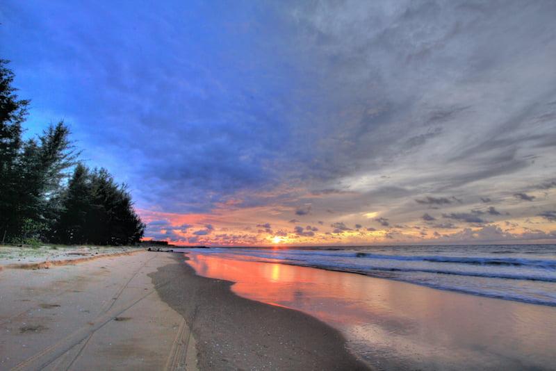 pantai seri kenangan brunei 01