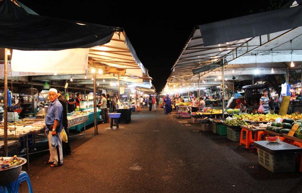 pasar-malam-gadong-brunei