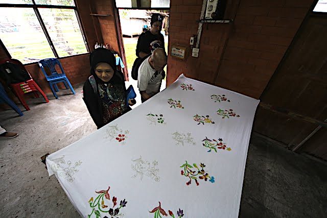 Pateh Tekstil Industri Pembuatan Batik Di Krabi
