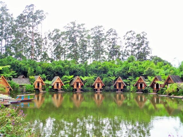 tempat menarik di bandung dusun bambu 01