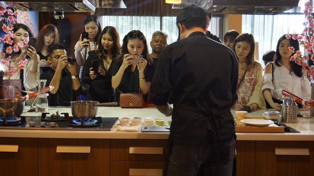 Menu Hidangan Siri Chef Selebriti Baharu AirAsia Santan 03