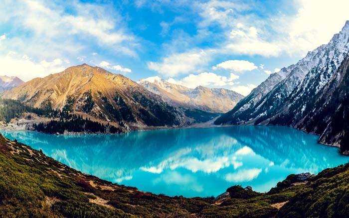 beautiful kazakhstan lake