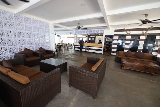 hotel review the barat tioman kampung juara 05 lobby