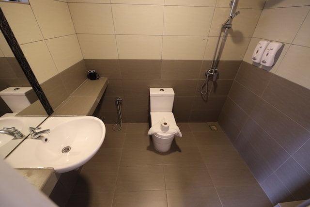 hotel review the barat tioman kampung juara 13
