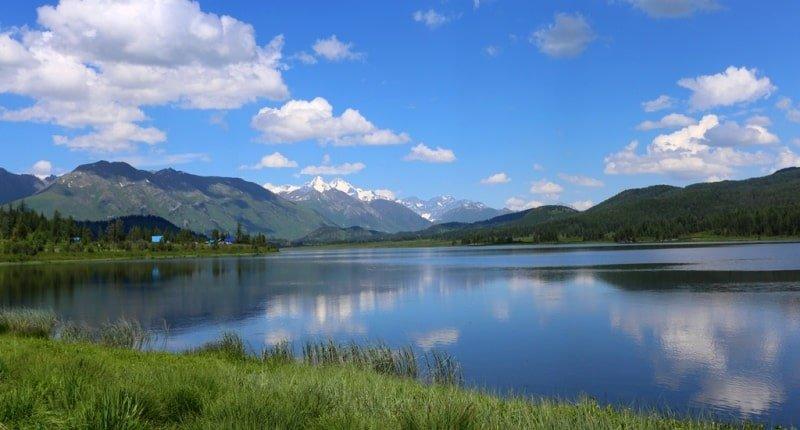 Tempat Menarik di Kazakhstan Yazevoye Lake