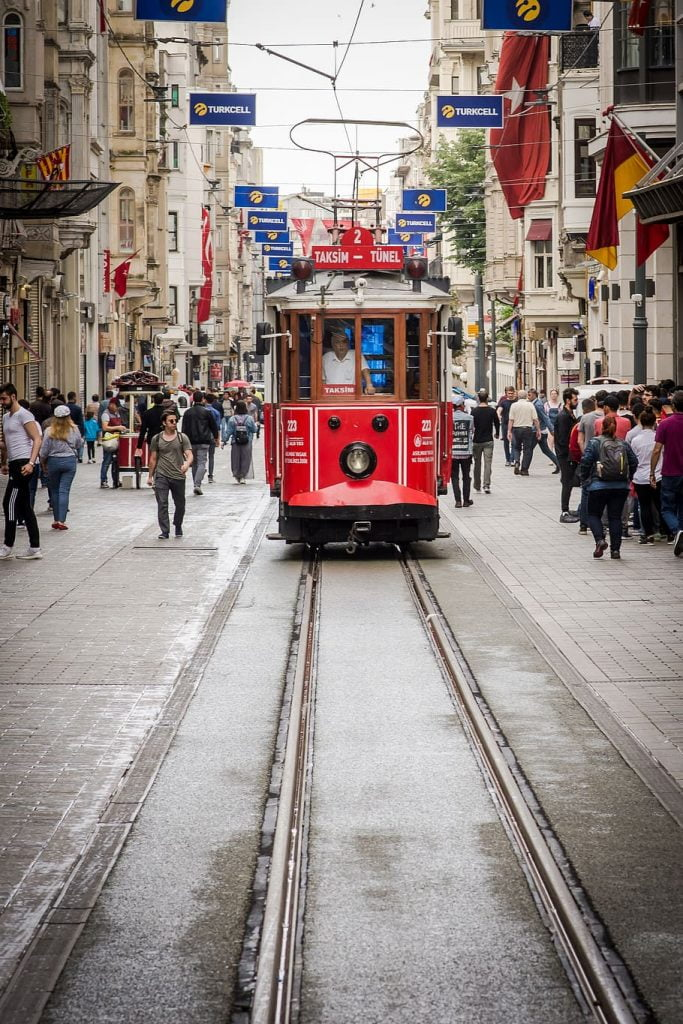Gambar Salji Turun Di Taksim Square Istanbul Turki 3