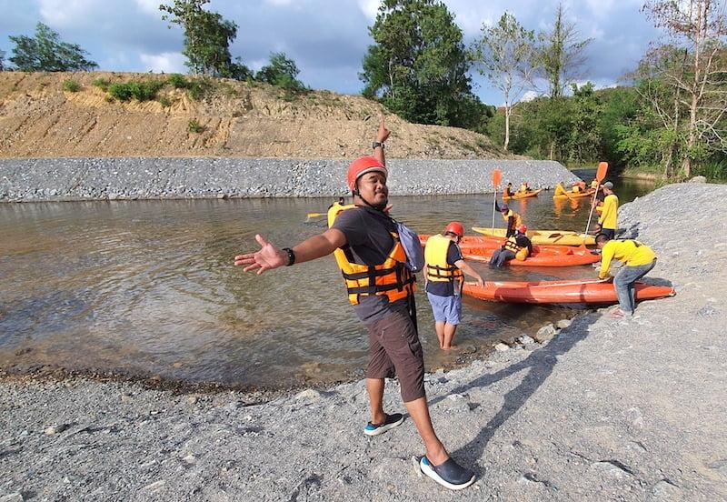 Nhan Moddang Kayaking 01