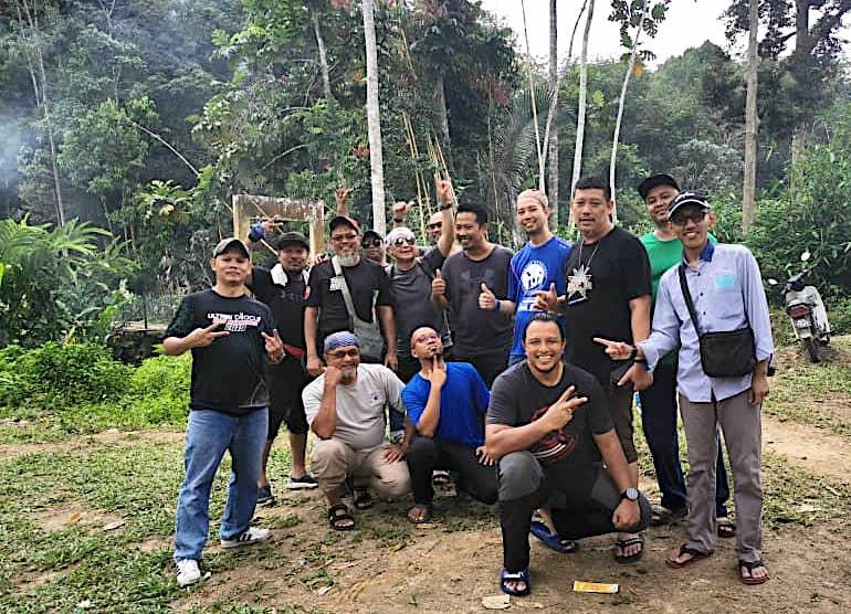 Pakej Day Trip KL Batu Kurau Makan Durian Kampung 07