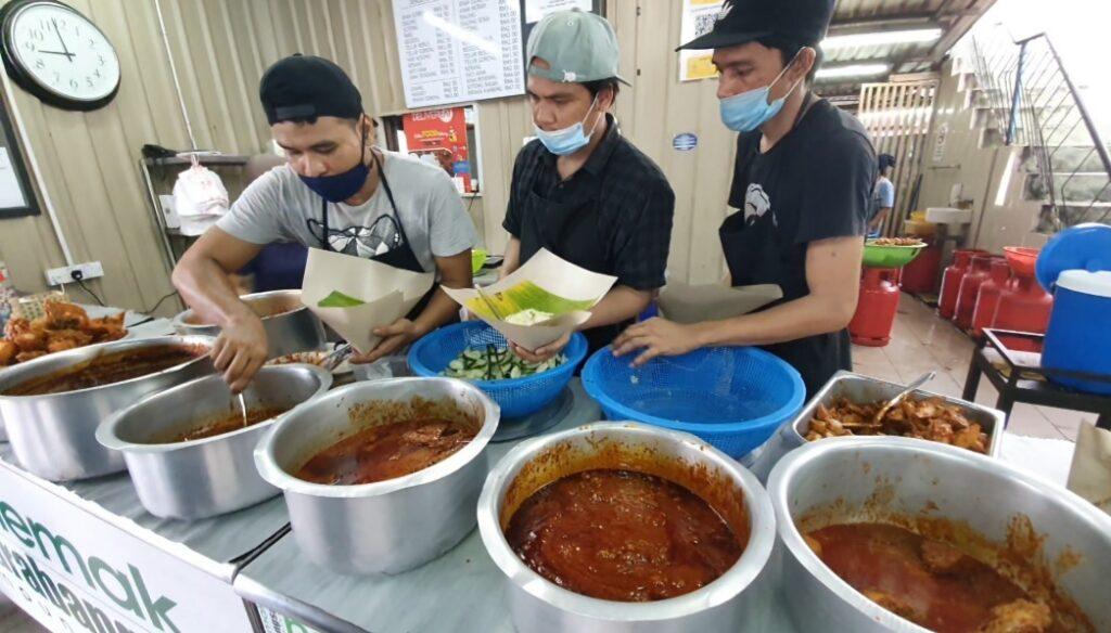 Sarapan Di Restoran Nasi Lemak Antarabangsa Kampung Baru 02