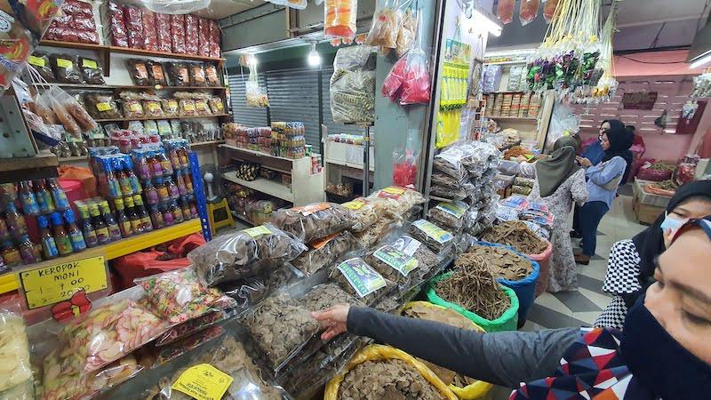 Pasar-Besar-Siti-Khadijah-Kota-Bharu_05