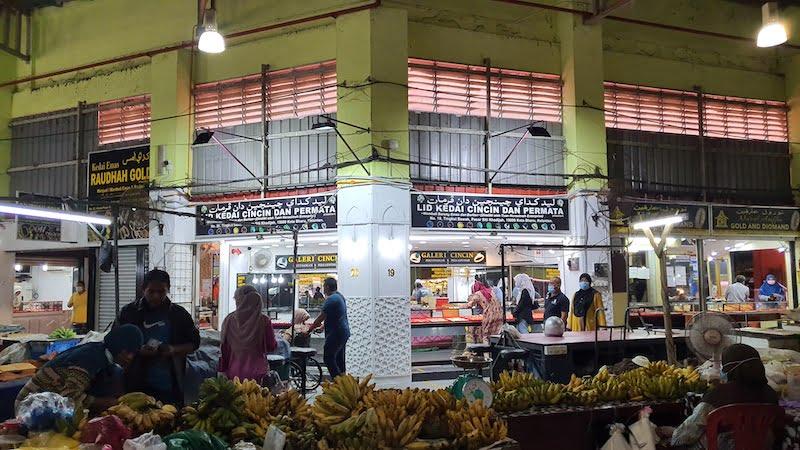 Pasar-Besar-Siti-Khadijah-Kota-Bharu_11