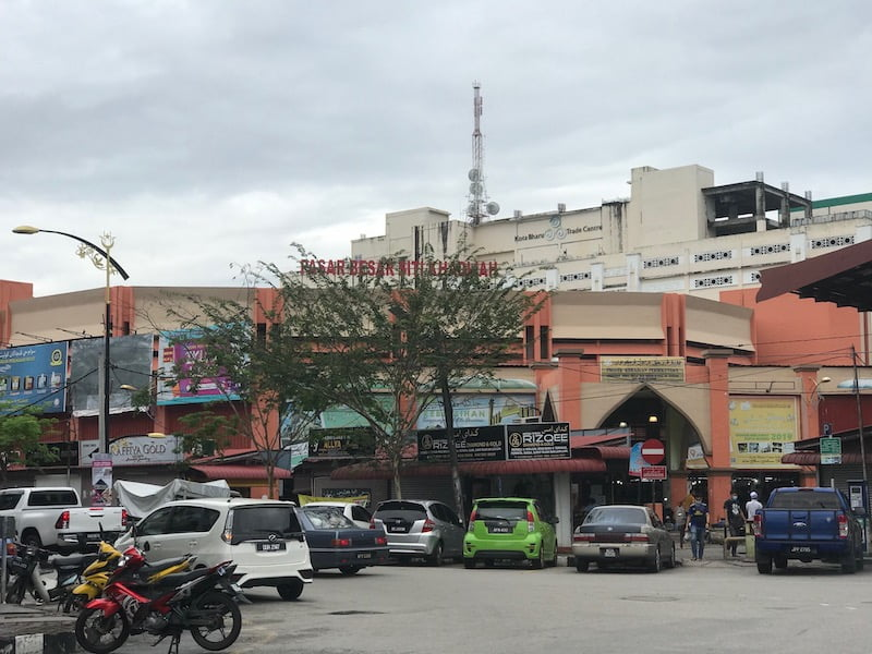 Pasar-Besar-Siti-Khadijah-Kota-Bharu_01
