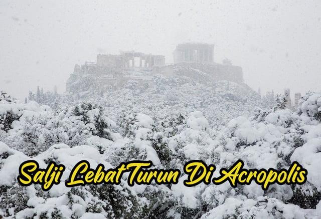 Jarang-Jarang-Berlaku-Salji-Tebal-Di-Acropolis-Athen-Greece copy